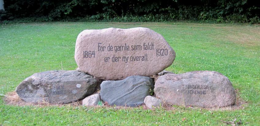 Stenen ved Haslev Seminarium. Fra Faxe Kommunes Arkivers samling.