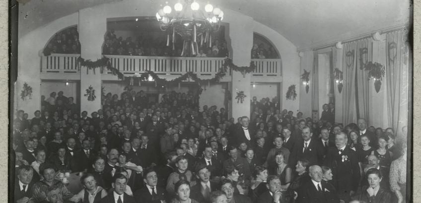 Vedtagelse af Åbenrå-resolutionen d. 17. november 1918. Fra Det Kgl. Biblioteks billedsamling.